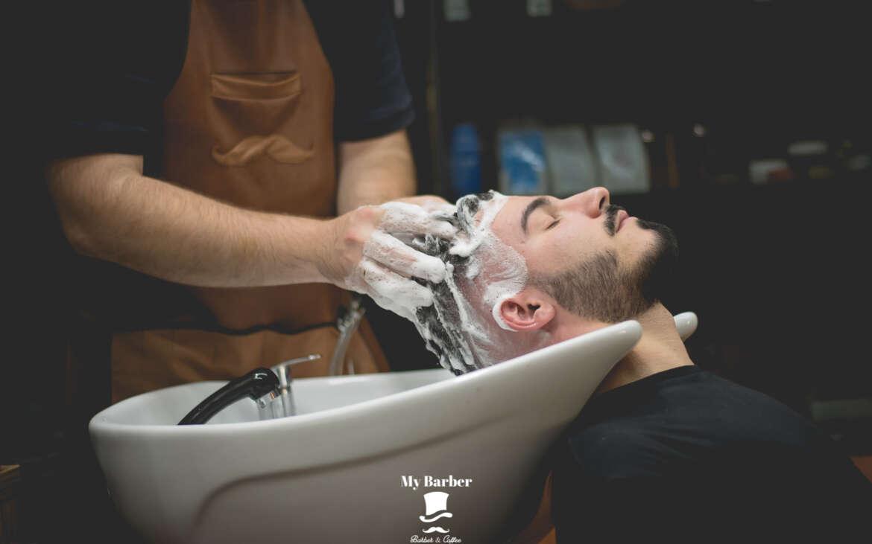 Η συχνότητα που πρέπει να λούζεις τα μαλλιά σου